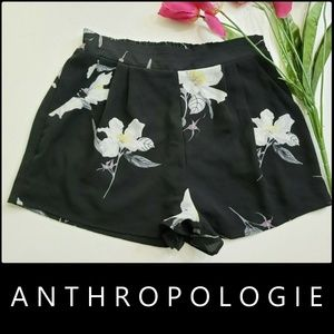 Antropologie Woman Floral Pleated Front Short Sz M